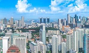 Bright Daylight Over Singapore's Skylines - Mace