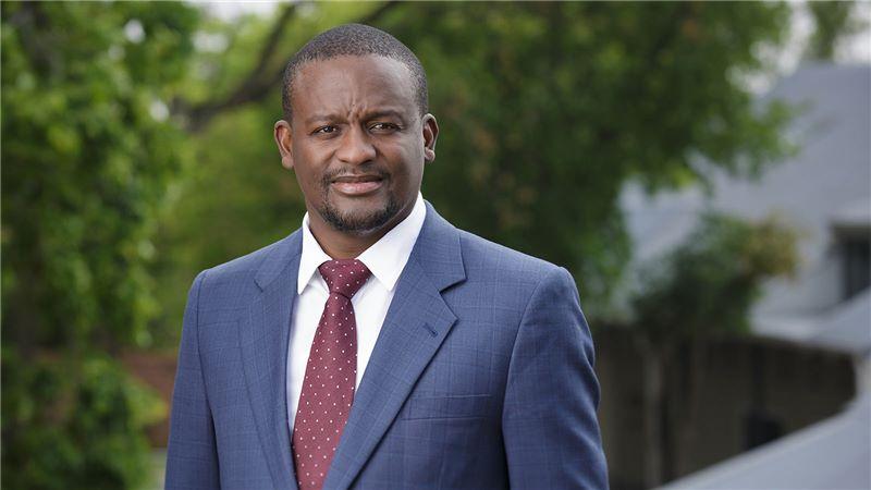 Mandla Mlangeni, Director, MMQS - Mace Group
