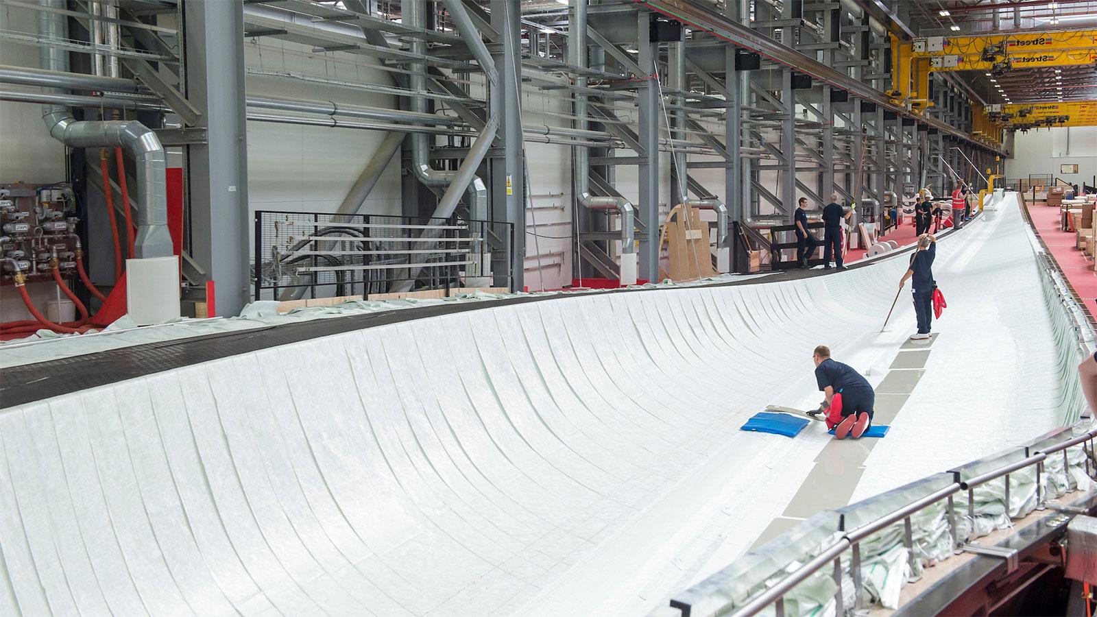Staff working on Siemens Green Port Hull - Mace Group