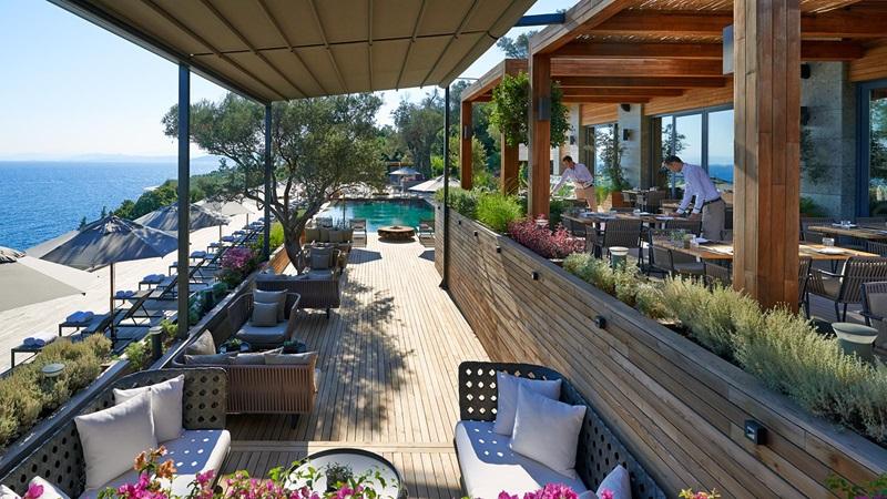 Outdoor Seating at Mandarin Oriental Hotel Restaurant - Mace Group