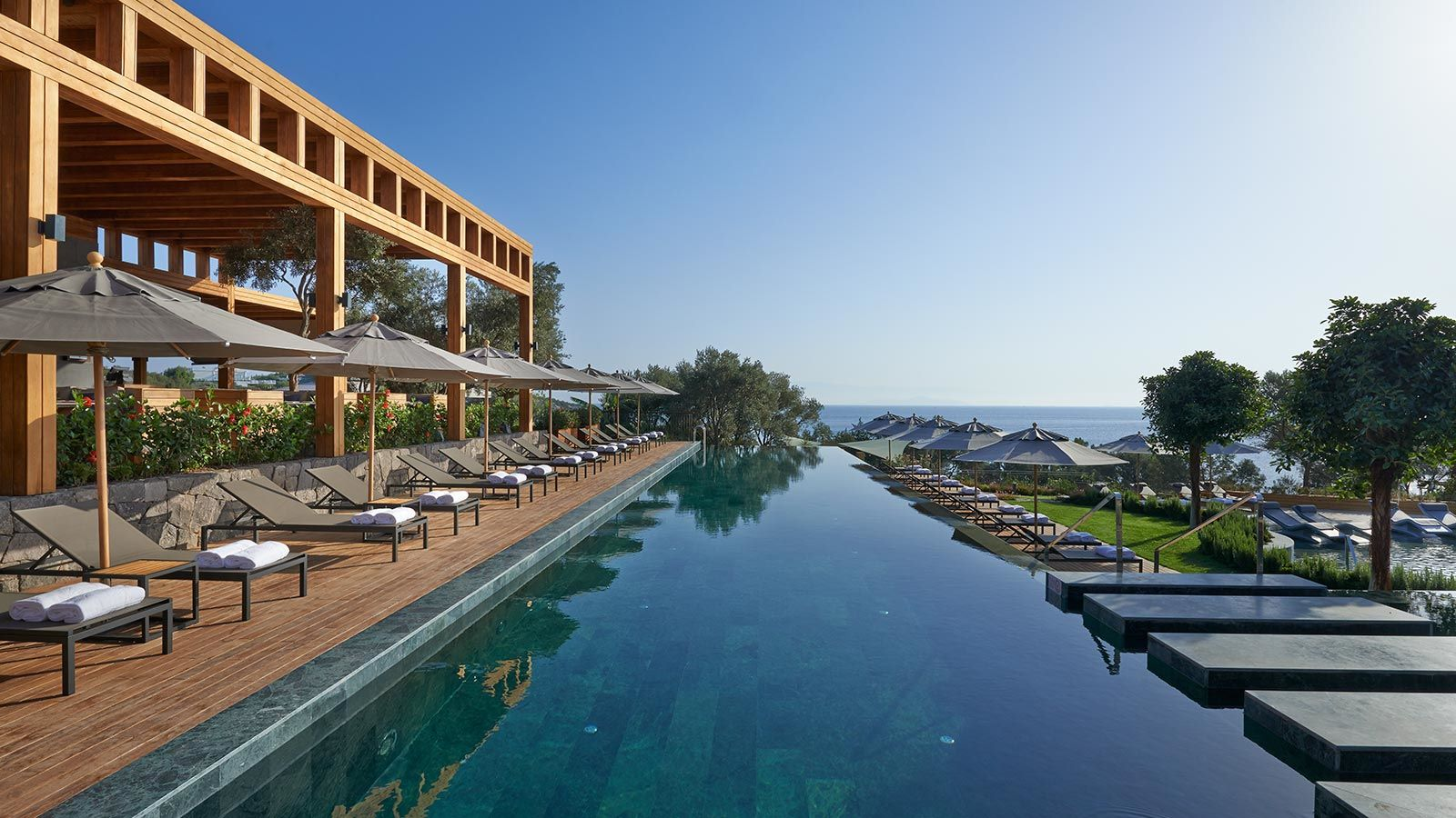 Luxury Outdoor Swimming Pool at The Mandarin Oriental Hotel - Mace Group