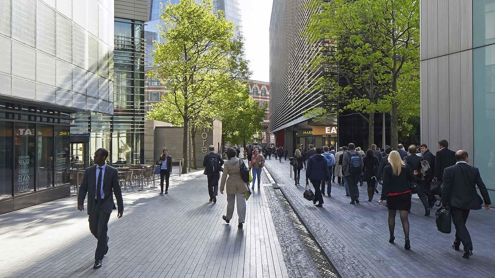 London People Walking to Work - Mace Group